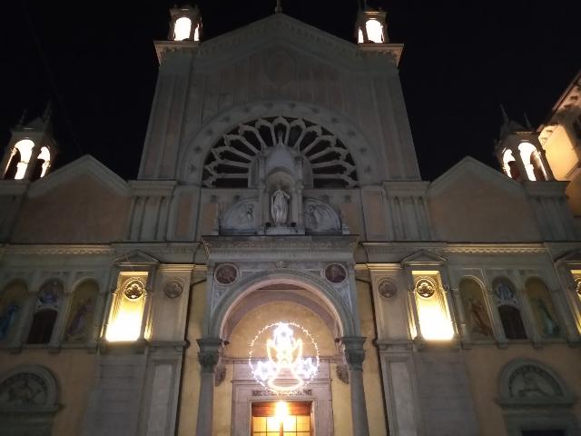 Chiesa luci Natale
